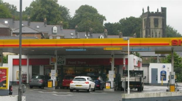 Truro - Shell Service Station Picture 1