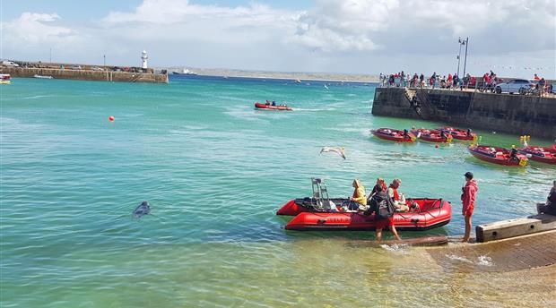 St Ives Self Drive Boats Picture 2